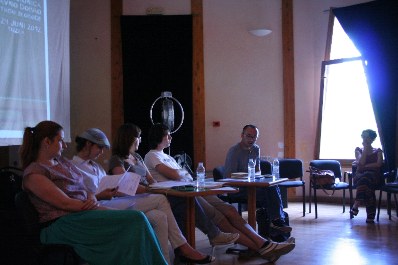 tuzla-juni-2012-javna-ucionica-vicevi-rat-i-genocid-1