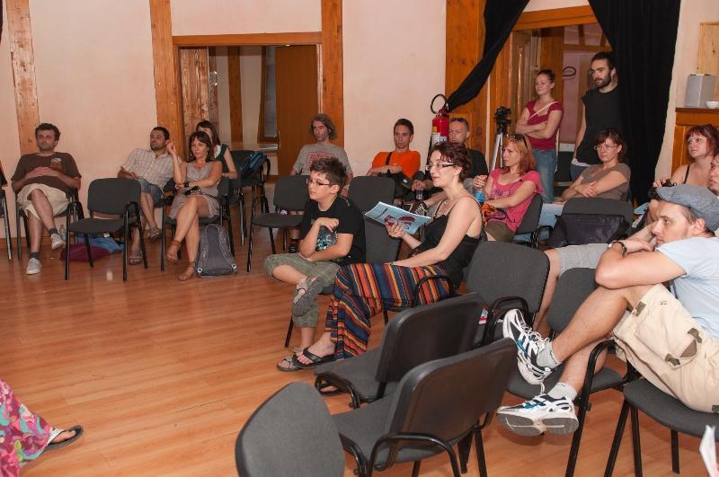 tuzla-juni-2012-okrugli-stol-i-performans-sol-zemlje-12