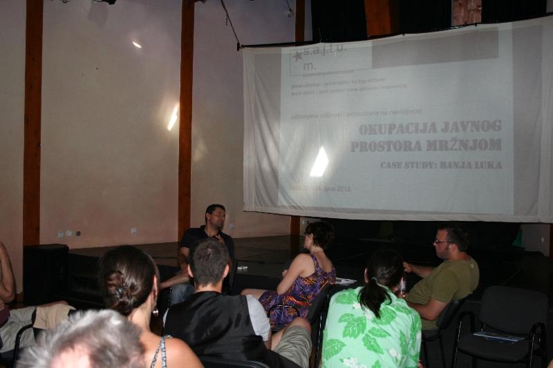 tuzla-juni-2012-okupacija-javnog-prostora-mrznjom-8